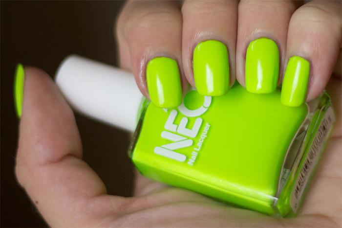 americanapparel-neongreen-2